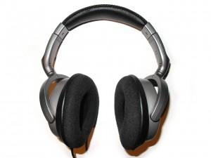 headphones-388674_1280
